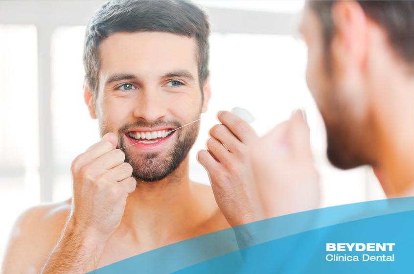 El-hilo-dental-encias-sanas-y-aliento-mas-fresco